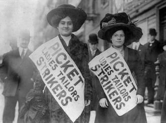 Bread-Roses-strike-Lawrence-Mass-1912-photo-socialistworker.org_2